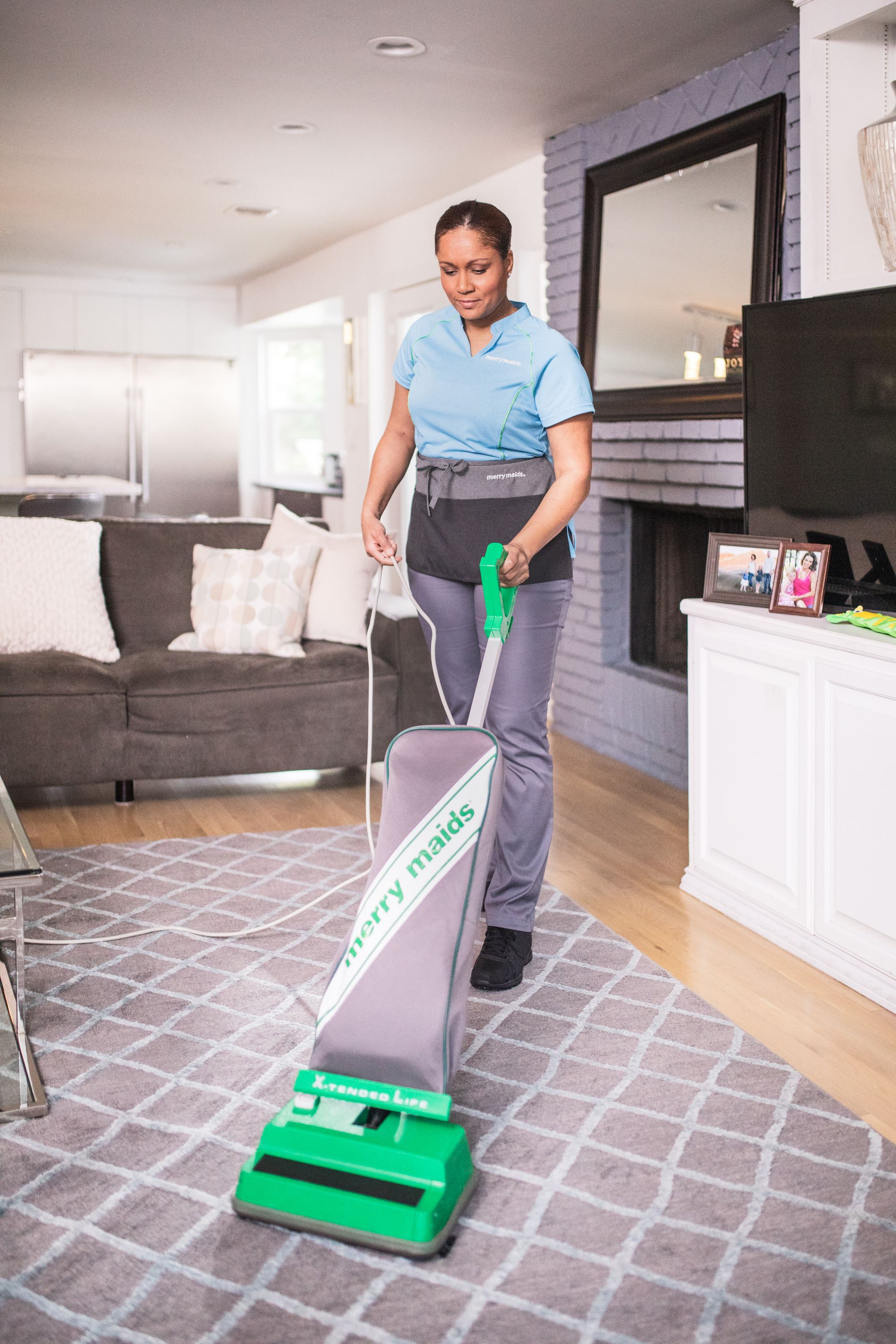 Bagged Vs Bagless Vacuum Cleaners Merry Maids