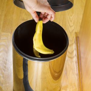 How to Clean Kitchen Trash Can | Merry Maids